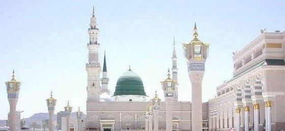 حكم القبة الخضراء فوق الحجرة النبوية